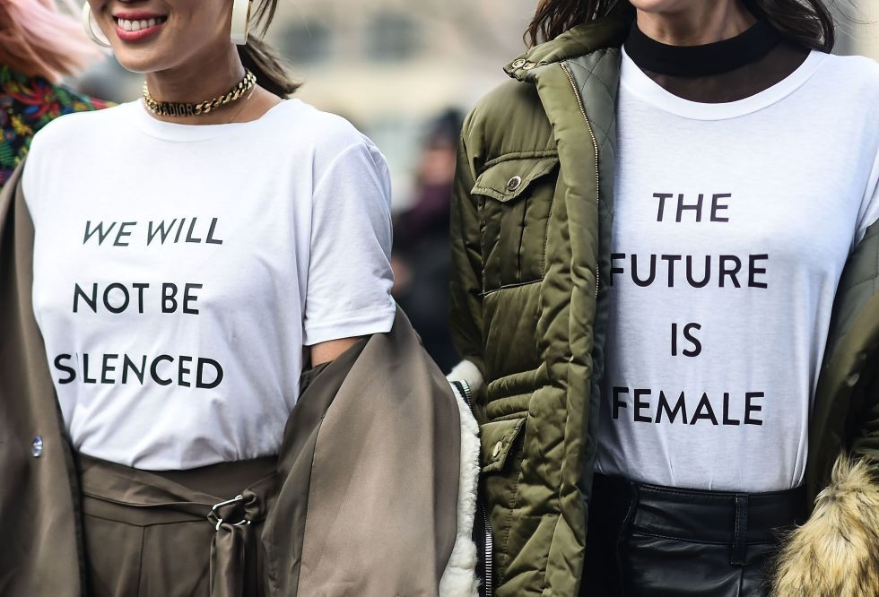 slogan-tee-street-style-female-future.jpg