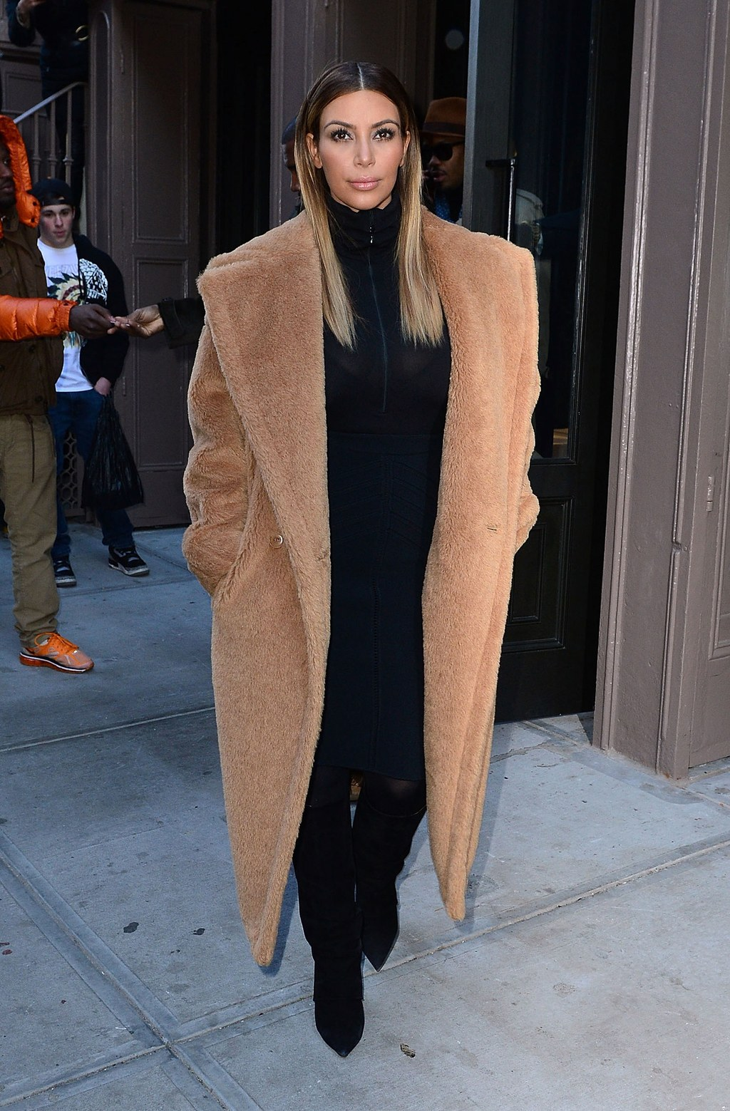 fashion-2013-11-kim-kardashian-max-mara-teddy-winter-coat-full-length-main.jpg